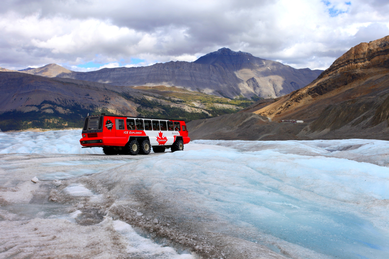 ( Columbia Icefield)